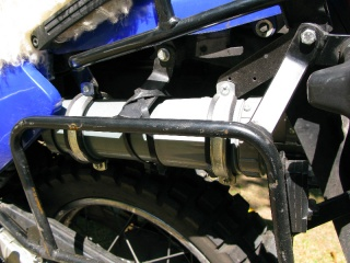 Luggage rack and oil tubes