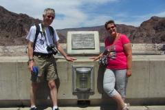 States apart  @Hoover dam